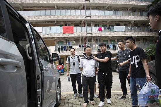 苍南警方抓捕嫌疑人 本文图均为 警方供图