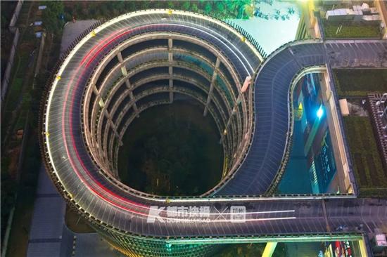 进出都要绕6层楼高的400米坡道 杭州出现最晕停车场