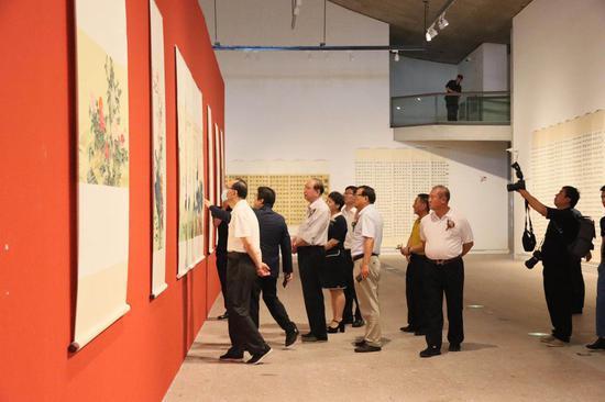 寒石书画艺术于公望美术馆展出 寄情富春山水间