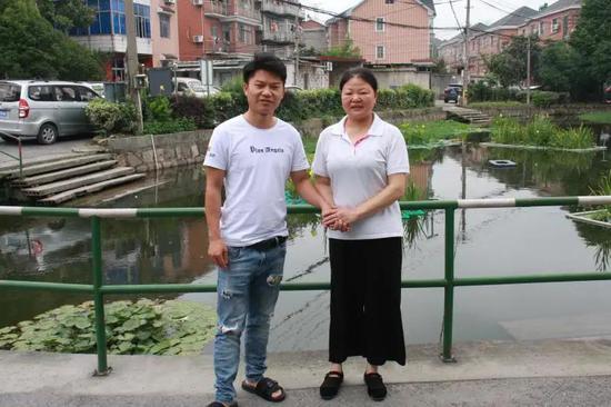 杭州发生村民落水惊险一幕 多亏了这位司机小哥相救