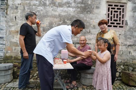 十一代人坚持了300多年 宁波这户人家接力做一件好事