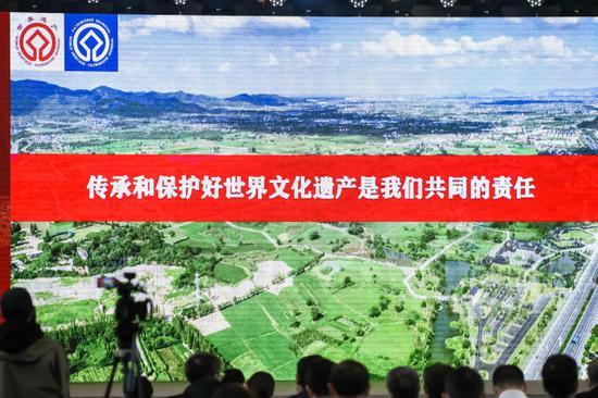 一起来看 良渚古城遗址、江南运河杭州段遗产地拿奖了