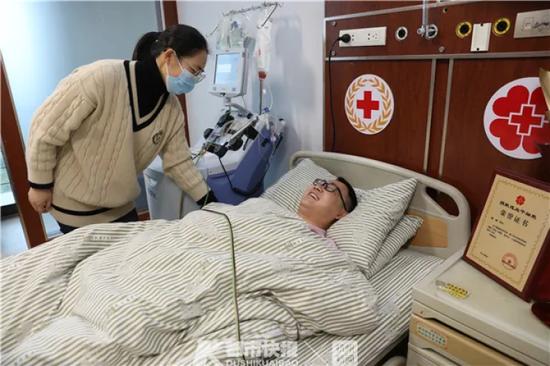 台州34岁医生赶到杭州 捐献了298毫升造血干细胞