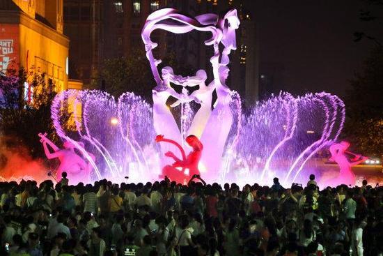 武林广场音乐喷泉(资料图) 吴煌 摄