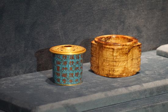 良渚文化时期 玉琮 内壁有珐琅胆,刻乾隆御题诗