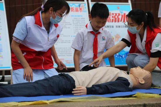 浙江湖州防溺水宣传进校园 撑起学生安全教育保护伞