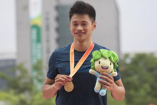 绍兴选手谢震业跑进200米半决赛 创造中国奥运历史
