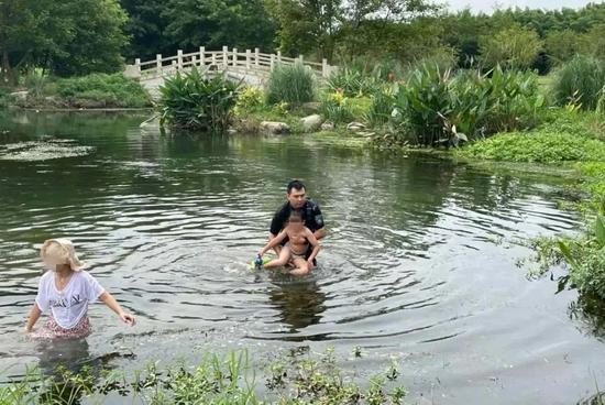 浙江一男子奋不顾身一跃救出溺水儿童 挽救一个家庭