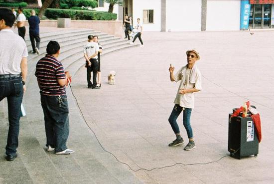 蓝柠檬君摄于金华人民广场