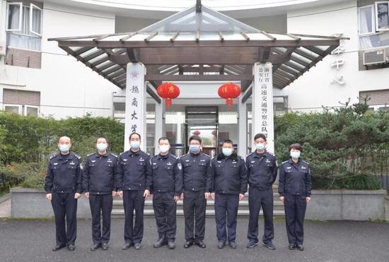 第二批增援警力奔赴衢州一线