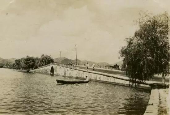 20世纪五十年代断桥(丁云川 供图)