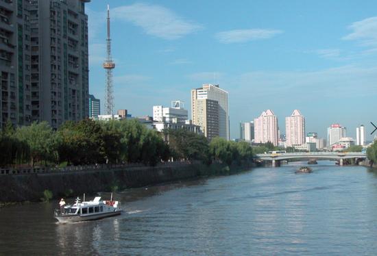 刚开通时的杭州水上公交 图源视觉中国