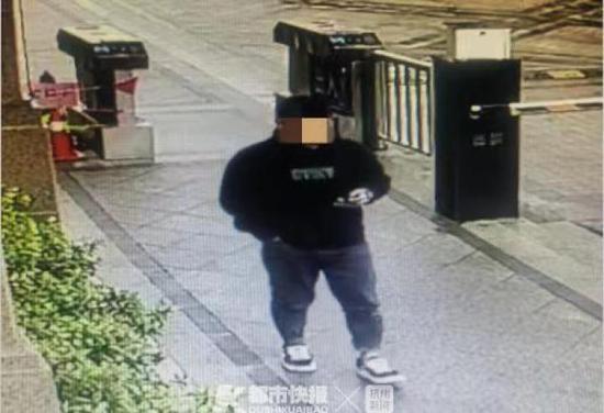 杭州一男子為還網貸入戶盜竊 連儲蓄罐的硬幣都不放過