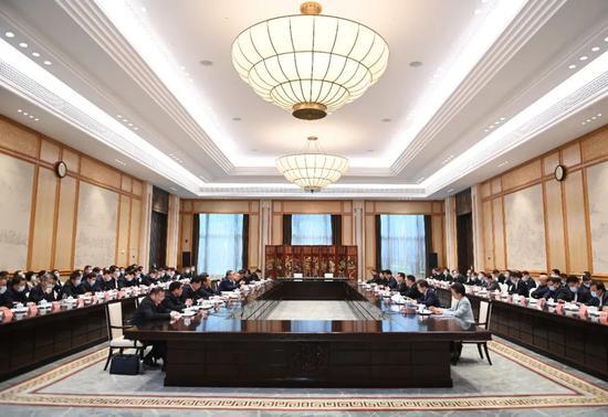 安徽省党政代表团赴浙江考察 举行两省发展座谈会