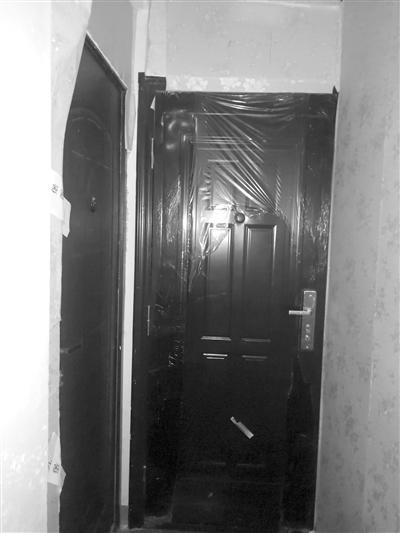小郭的房间就在小马(图左)的隔壁
