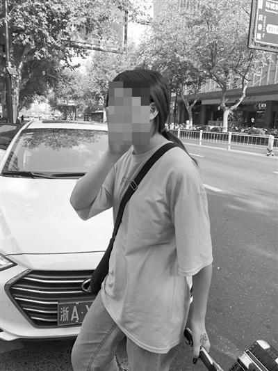 女孩和网恋1个月杭男友见面 从东站附近酒店5楼坠下