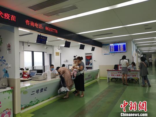 图为杭州某医院内景。 张煜欢 摄