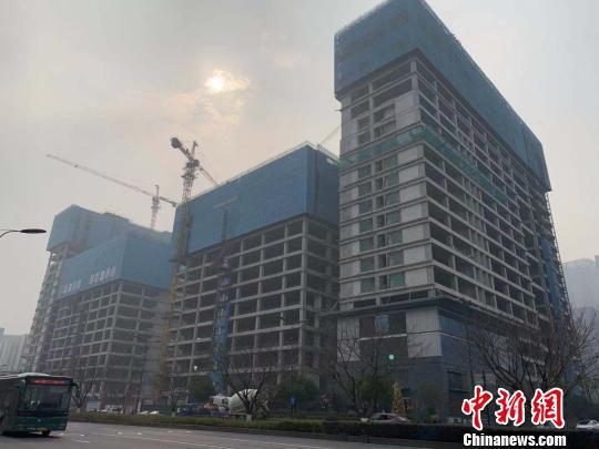 杭州某在建建筑。 郭其钰 摄