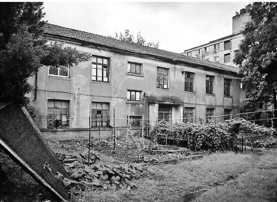拆除前的旧厂房。