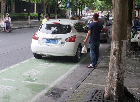 杭州绿色泊车位已超500个 还有个好消息要告诉你