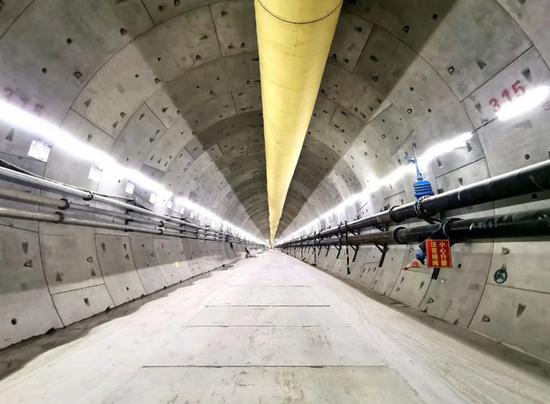 隧道两侧回填完成