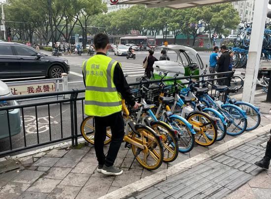 """停车不能再任性了 鹿城启用共享单车""""电子围栏"""""""