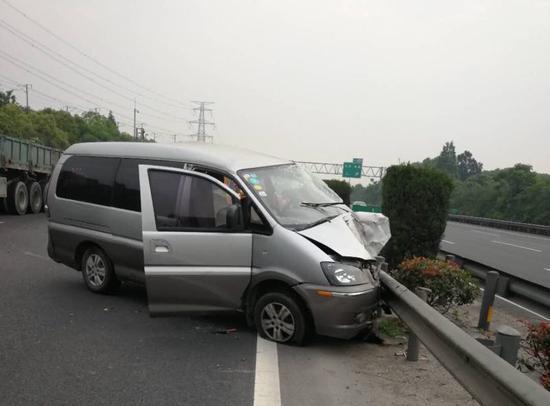 事故现场。 高速交警供图