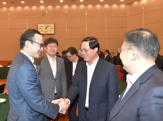 1月18日,省委书记车俊看望海归学子。