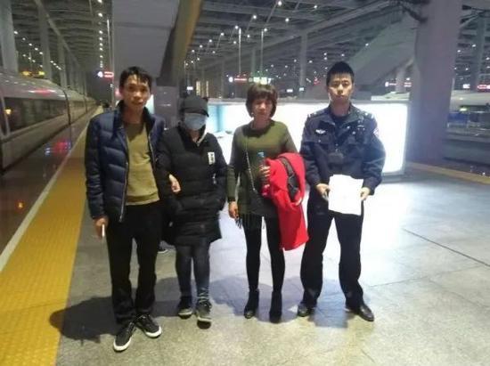 小林的舅舅和外婆赶到宁波