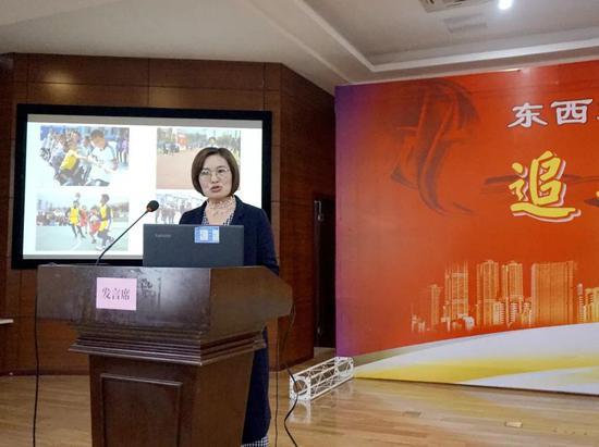马边光辉中心校校长:李雪梅