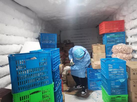 24小时卡点坚守 嘉兴牢筑进口冷链食品防疫安全线
