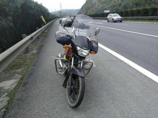 梅某的摩托车