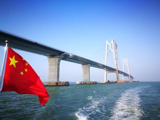 """大桥上的""""杭州智慧"""""""