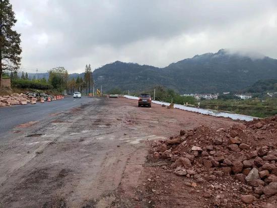 新镜线二期工程棠村穿村段