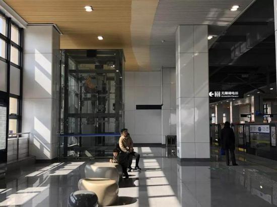 站内设计无障碍电梯