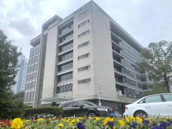 行政中心5号楼(原人大政协楼):三江东路3号