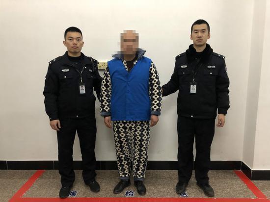 """浙江云和一男子""""借酒消愁""""失控 拨打110辱骂接警员 。 胡昌清 摄"""