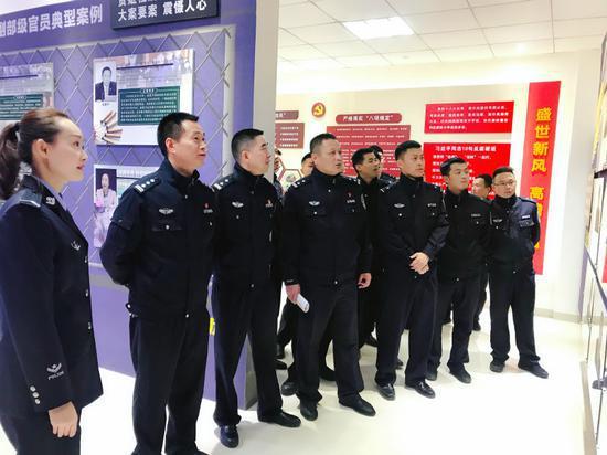 """浙江龙泉公安""""1+2+N""""模式推进清廉公安建设 钟李佳 摄"""