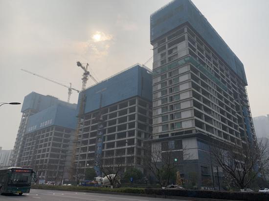 杭州在建住宅。 郭其钰 摄