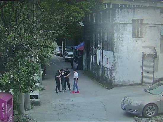 杀人犯潜逃19年后终落网 龙湾警方供图