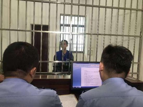 徐某因构成寻衅滋事、公然阻碍民警执法,已被刑拘。南湖公安提供