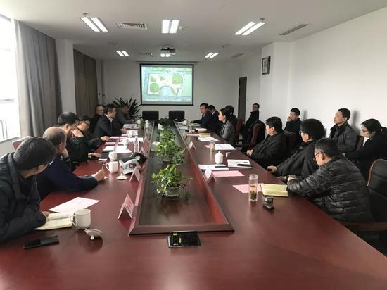 杭州亚运会专家组来绍指导棒球场建设工作