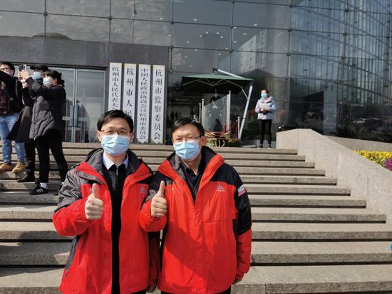 杭州两位心理专家在武汉 他们是264位医护的心灵导师