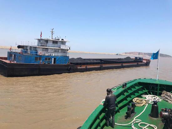 舟山海事局进行海上巡逻。 舟山海事提供