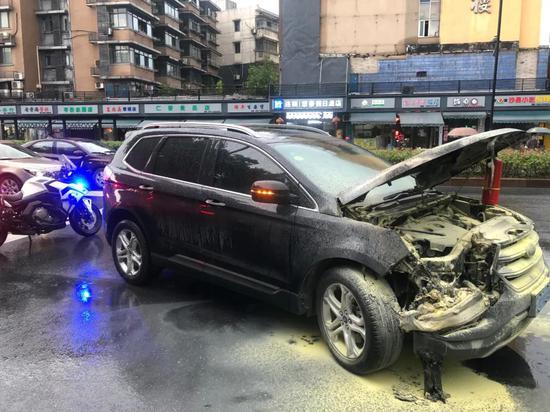 天热了所有车主请注意 杭州已有这样的危险情况发生