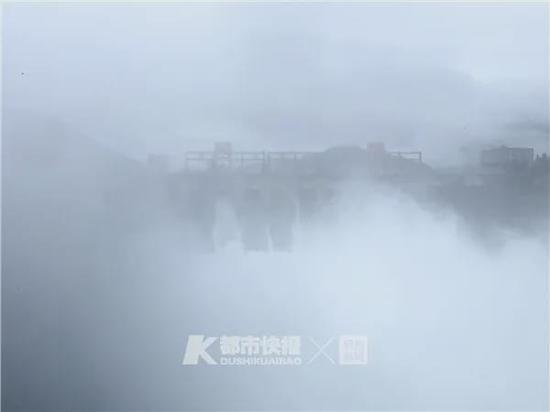 新安江水库建成来首次9孔泄洪 市防指发出安全提醒