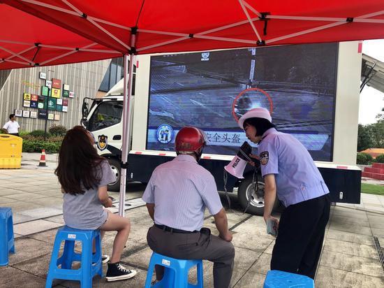 """杭州""""百警进乡村""""行动:推农村道路交通安全治理"""