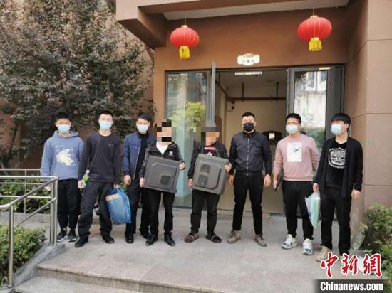 犯罪嫌疑人落网。 龙湾警方供图