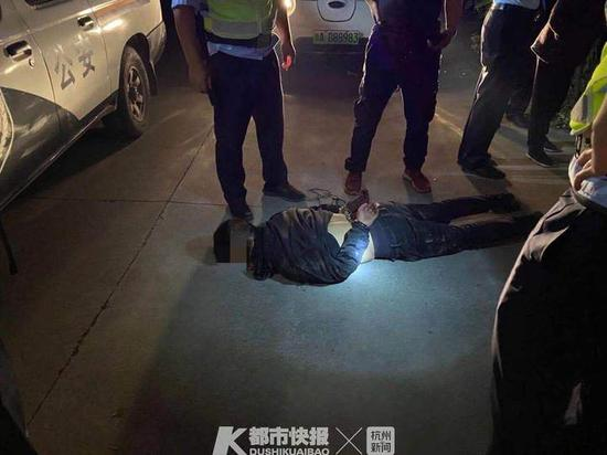 浙1新娘凌晨回到房间 发现陌生男子拿出工具向她刺来