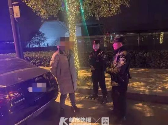 严惩 杭州一酒吧旁的车里藏着2000多支害人的东西